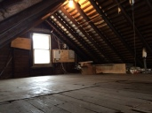 Walk up/Stand up Attic