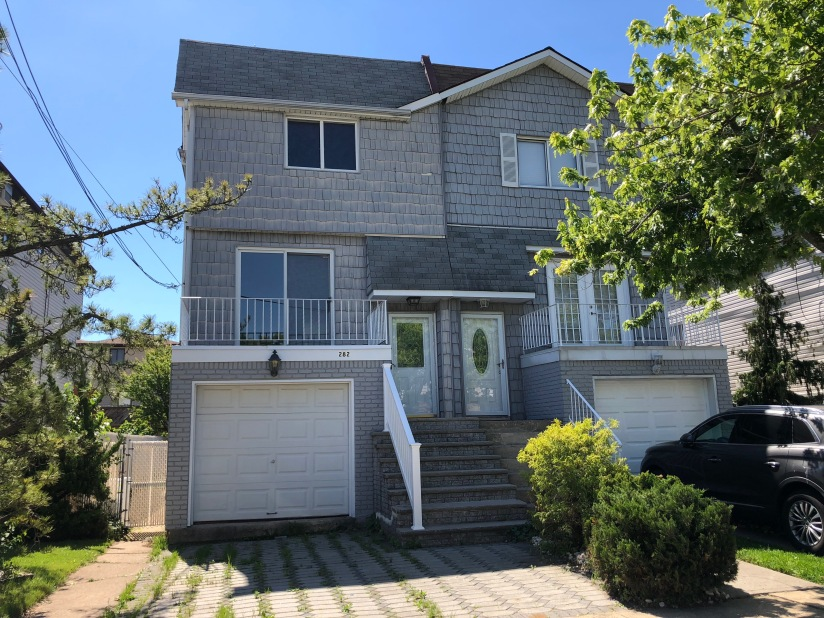 Really Large Semi Home in New Dorp –$629,000